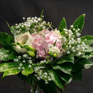 Hortensiakimppu vaaleanpunainen