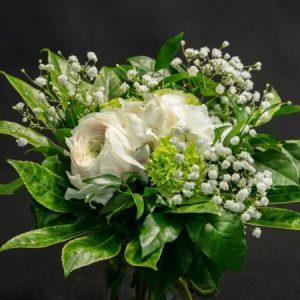 Kimppu kauden kukista, valkoinen